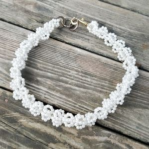 White pearl dog necklace collar